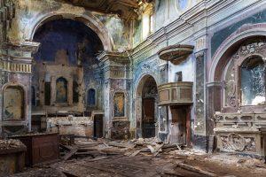 Napoli in Ruins
